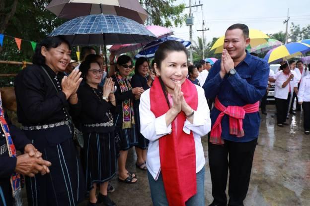 วิสาหกิจชุมชนศูนย์ผลิตพันธุ์ข้าวชุมชน ตำบลหนองขนาน เมืองเพชรบุรี : พรรคชาติไทยพัฒนา Chartthaipattana Party